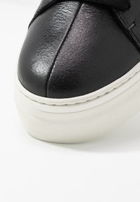 Selected Femme - SLFANNA TRAINER - Sneakers basse - black - 2