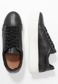 Selected Femme - SLFANNA TRAINER - Sneakers basse - black - 3
