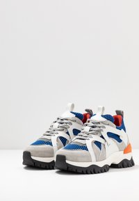 Selected Femme - SLFAMY TRAINER - Sneakers laag - baleine blue - 4