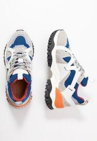 Selected Femme - SLFAMY TRAINER - Sneakers laag - baleine blue - 3