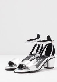 Selected Femme - SLFMERLENE METALLIC - Sandals - silver - 4