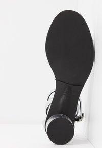 Selected Femme - SLFMERLENE METALLIC - Sandals - silver - 6