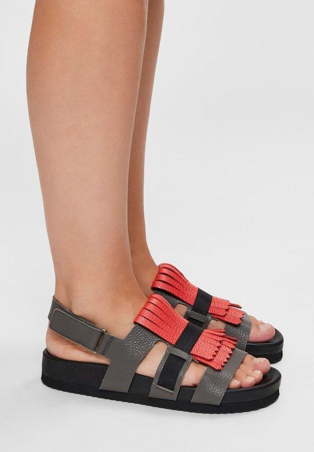 Sandals - cranberry