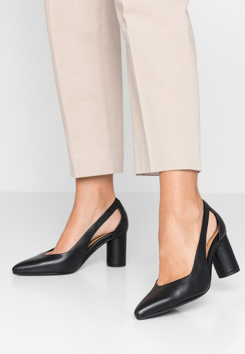 Selected Femme - SLFALEX OPEN - Classic heels - black