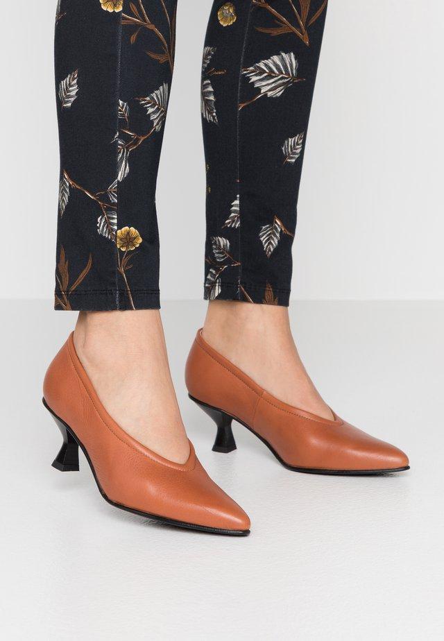 SLFKLARA  - Classic heels - cognac