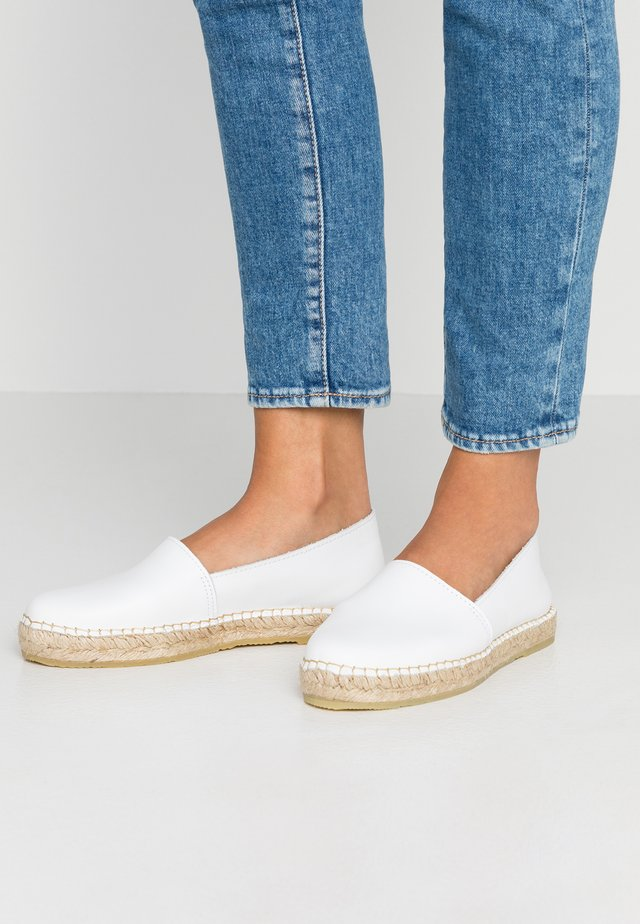 SLFMARIE - Loafers - white