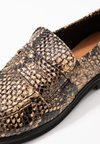 Selected Femme - SLFMIA LOAFER - Instappers - sand