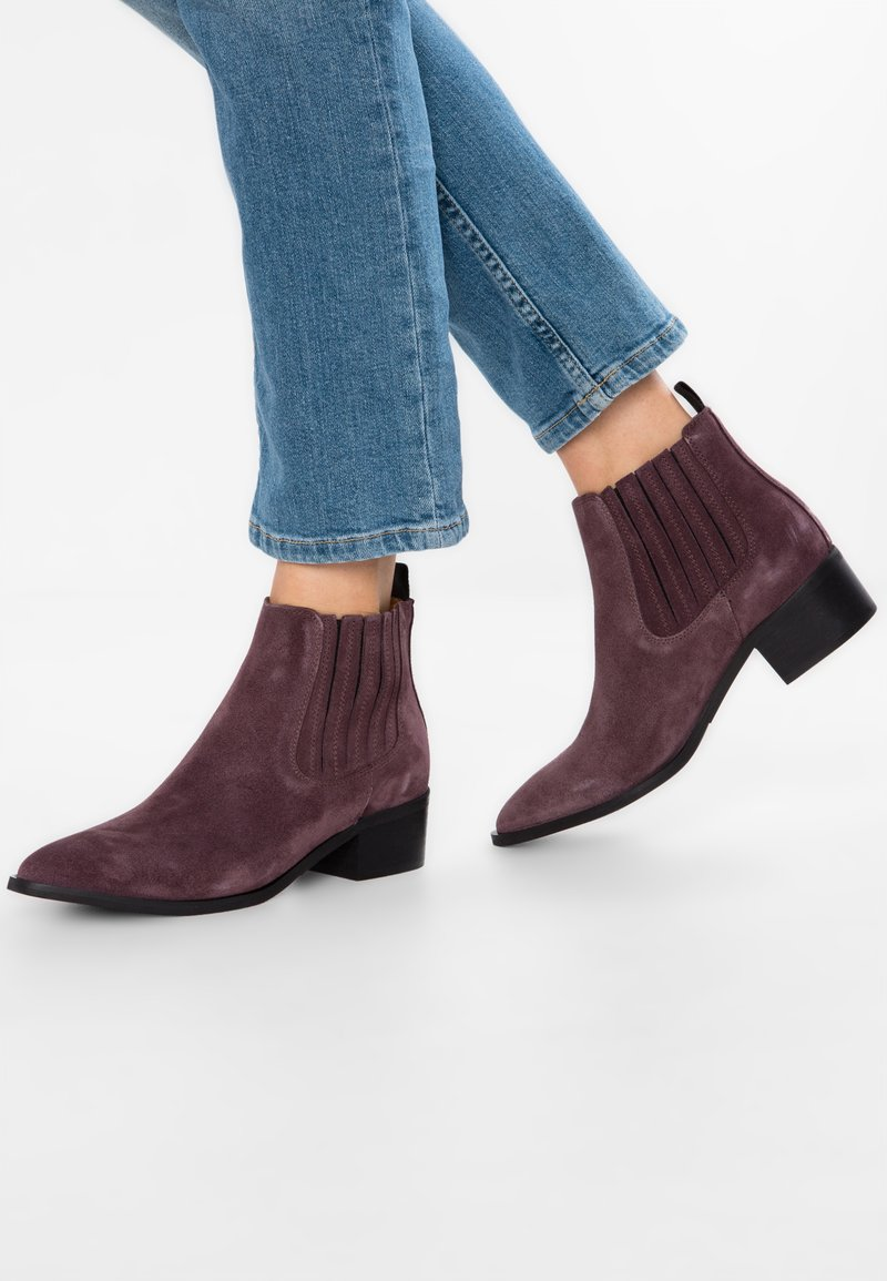 Selected Femme - SLFELENA NEW CHELSEA  - Ankle boots - decadent chocolate