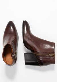 Selected Femme - SLFAMBER ZIP - Ankle boots - decadent chocolate - 3
