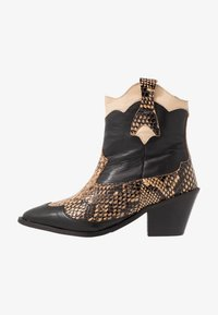 Selected Femme - SLFANNIE MIX BOOT - Cowboy-/Bikerlaarsjes - black - 1