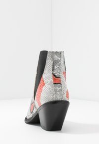Selected Femme - SLFSWEETS CLEAN - Ankle boots - cranberry - 5