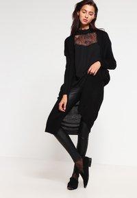 Selected Femme - SFSYLVIA - Skinnbukser - black - 1