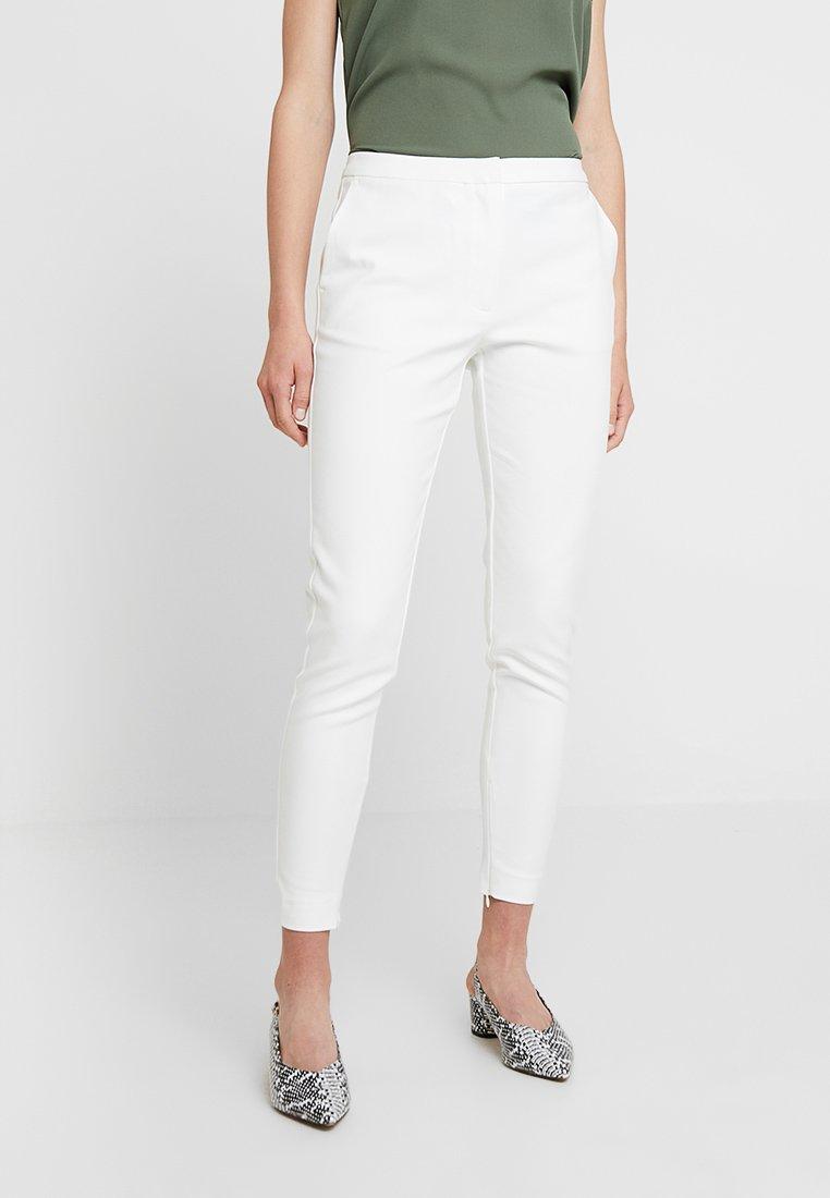 Selected Femme - SLFMUSI CROPPED PANT - Pantalon classique - snow white