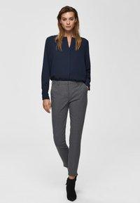 Selected Femme - MID WAIST - Bukse - medium grey melange - 1