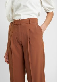 Selected Femme - Pantaloni - chipmunk - 6
