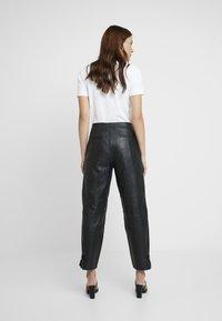 Selected Femme - SLFREJA PANT - Kožené kalhoty - black - 2