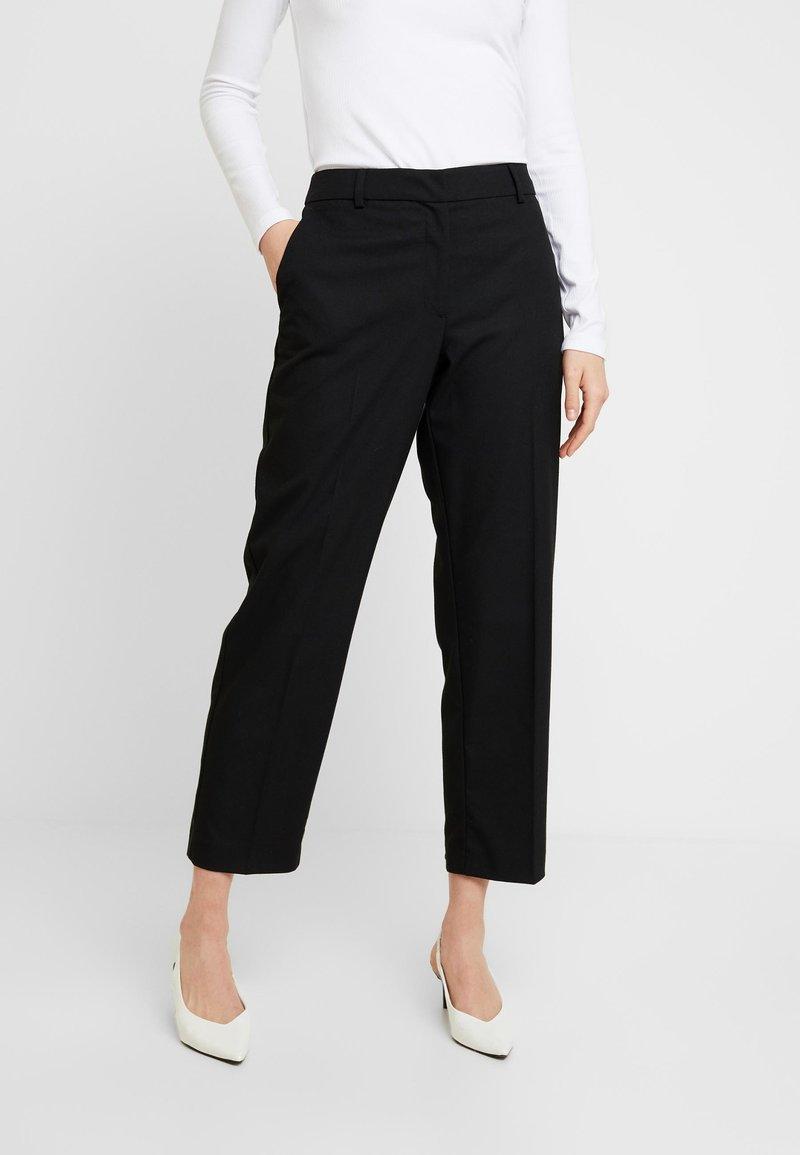 Selected Femme - SLFEMILO CROPPED PANT - Kalhoty - black