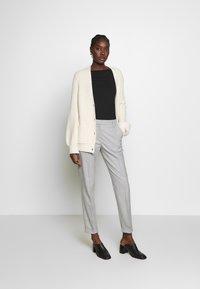 Selected Femme - SLFLUNA PANT - Broek - light grey melange - 1