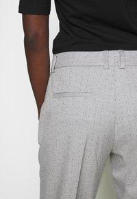 Selected Femme - SLFLUNA PANT - Broek - light grey melange - 3