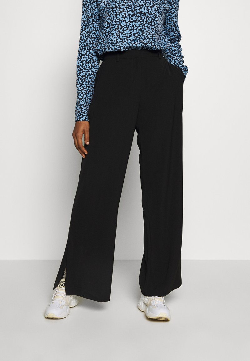 Selected Femme - SLFMAYA FLARED SLIT PANT - Stoffhose - black