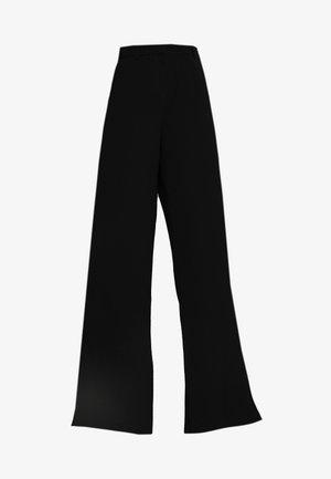 SLFMAYA FLARED SLIT PANT - Broek - black