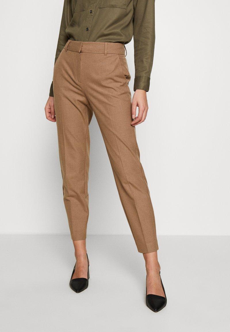 Selected Femme - SLFRIA CROPPED PANT - Bukse - camel/melange