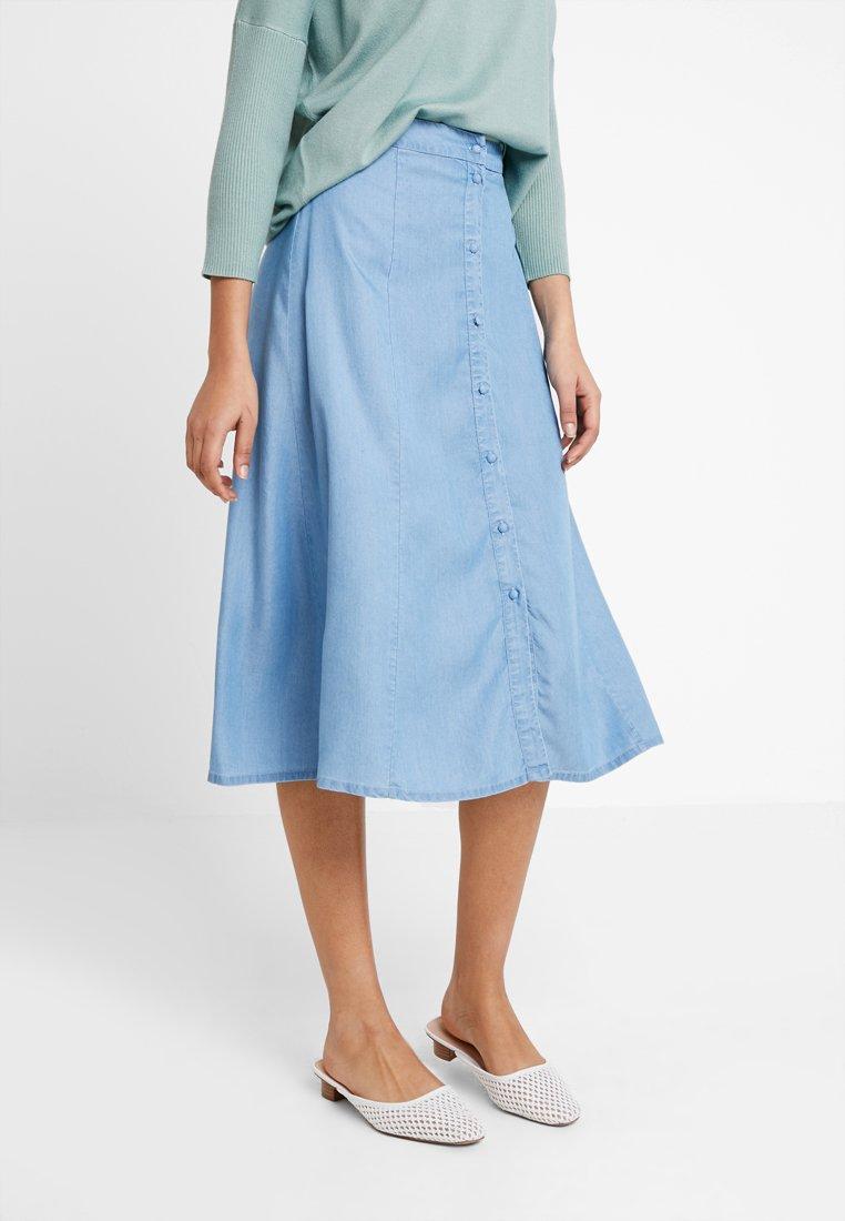 Selected Femme - SLFNOMA MIDI SKIRT - A-snit nederdel/ A-formede nederdele - light blue denim