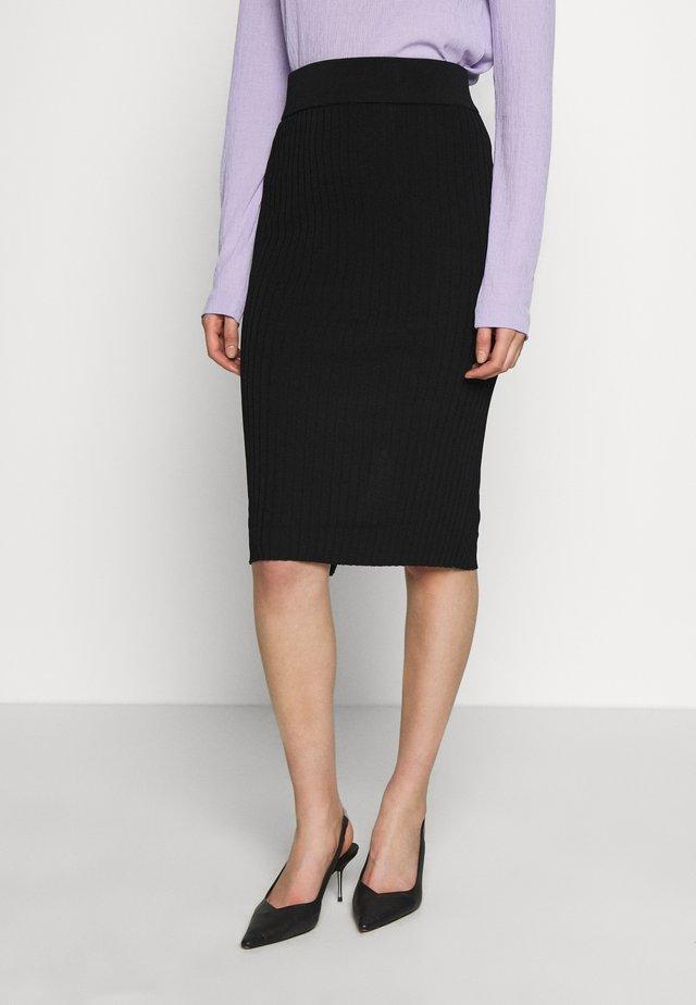 SLFMARGE SKIRT - Pouzdrová sukně - black