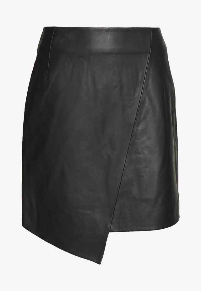 SLFGLOBAL SKIRT - Spódnica skórzana - black