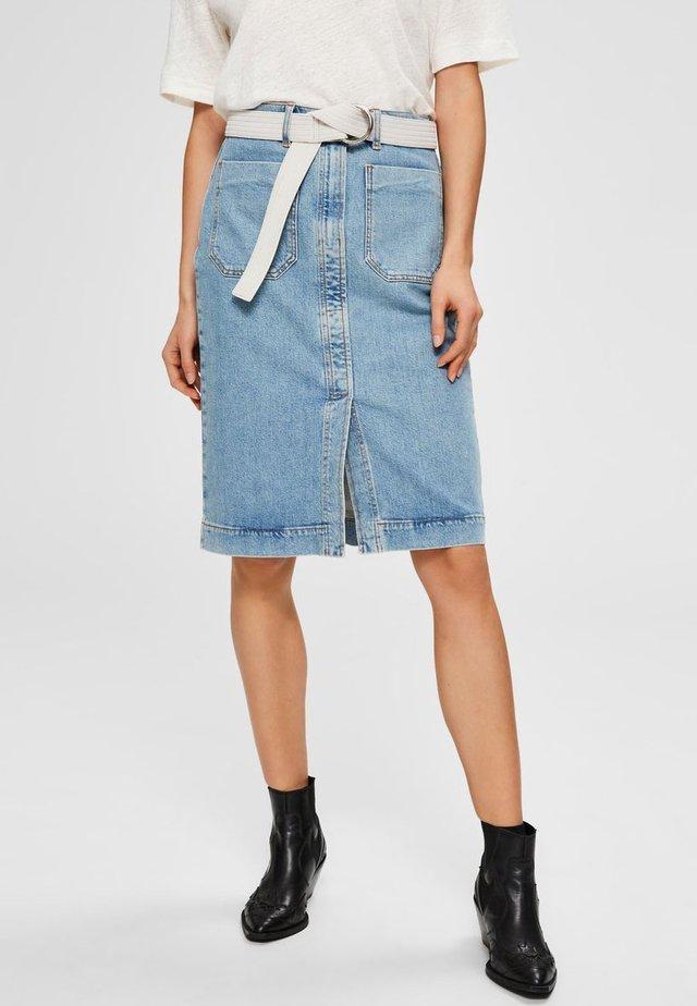 SELECTED FEMME JEANSROCK HIGH WAIST - Spódnica trapezowa - light blue denim