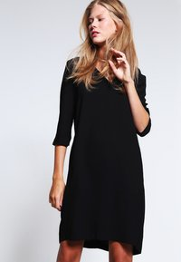 Selected Femme - SFTUNNI SMILE  - Vestito estivo - black - 0