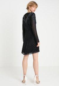 Selected Femme - SLFJUNA BEADED SHORT DRESS - Vestito elegante - black - 2