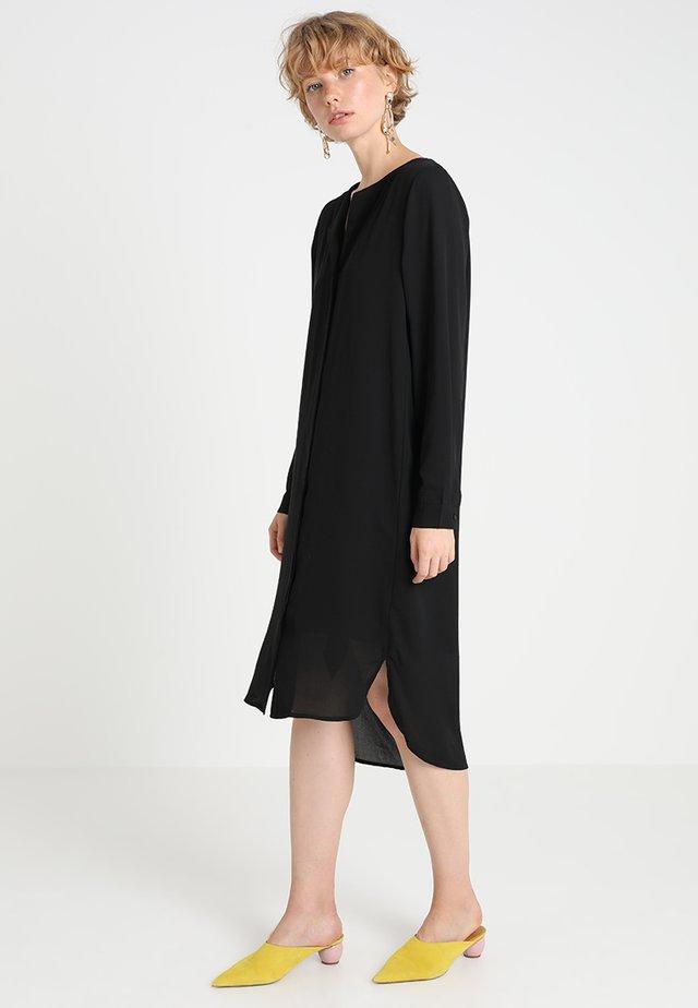 SLFDYNELLA DRESS NOOS - Shirt dress - black