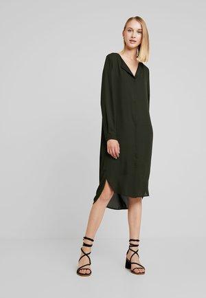 SLFDYNELLA DRESS - Maxi šaty - rosin