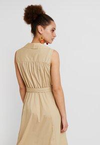 Selected Femme - SLFFLEA DRESS EX - Maxikleid - pale khaki - 4