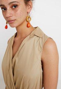 Selected Femme - SLFFLEA DRESS EX - Maxikleid - pale khaki - 5