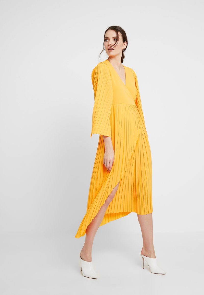 Selected Femme - SLFMELLY ANKLE DRESS - Robe longue - radiant yellow