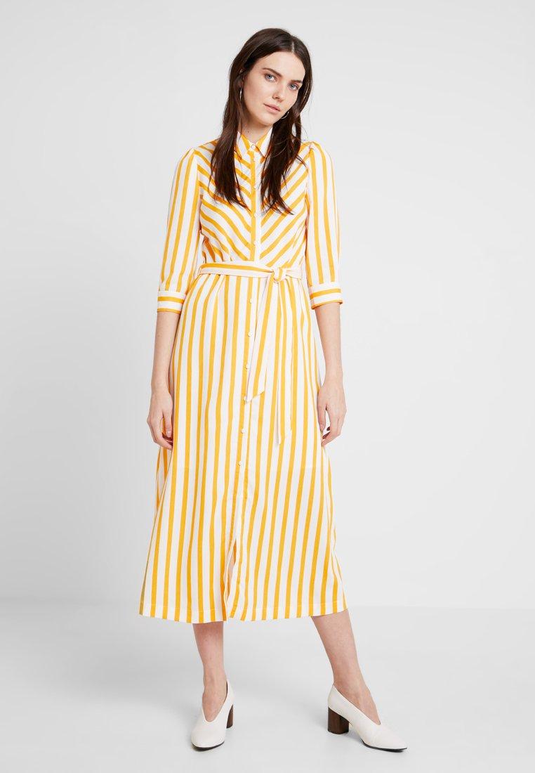 Selected Femme - SLFDORIT FLORENTA 3/4 ANKLE - Maxikleid - radiant yellow/snow white
