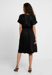 Selected Femme - SLFQUINCY VIENNA MIDI DRESS - Korte jurk - black - 2