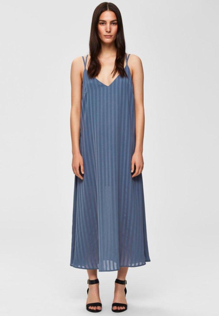 Selected Femme - Maxikleid - dusk blue