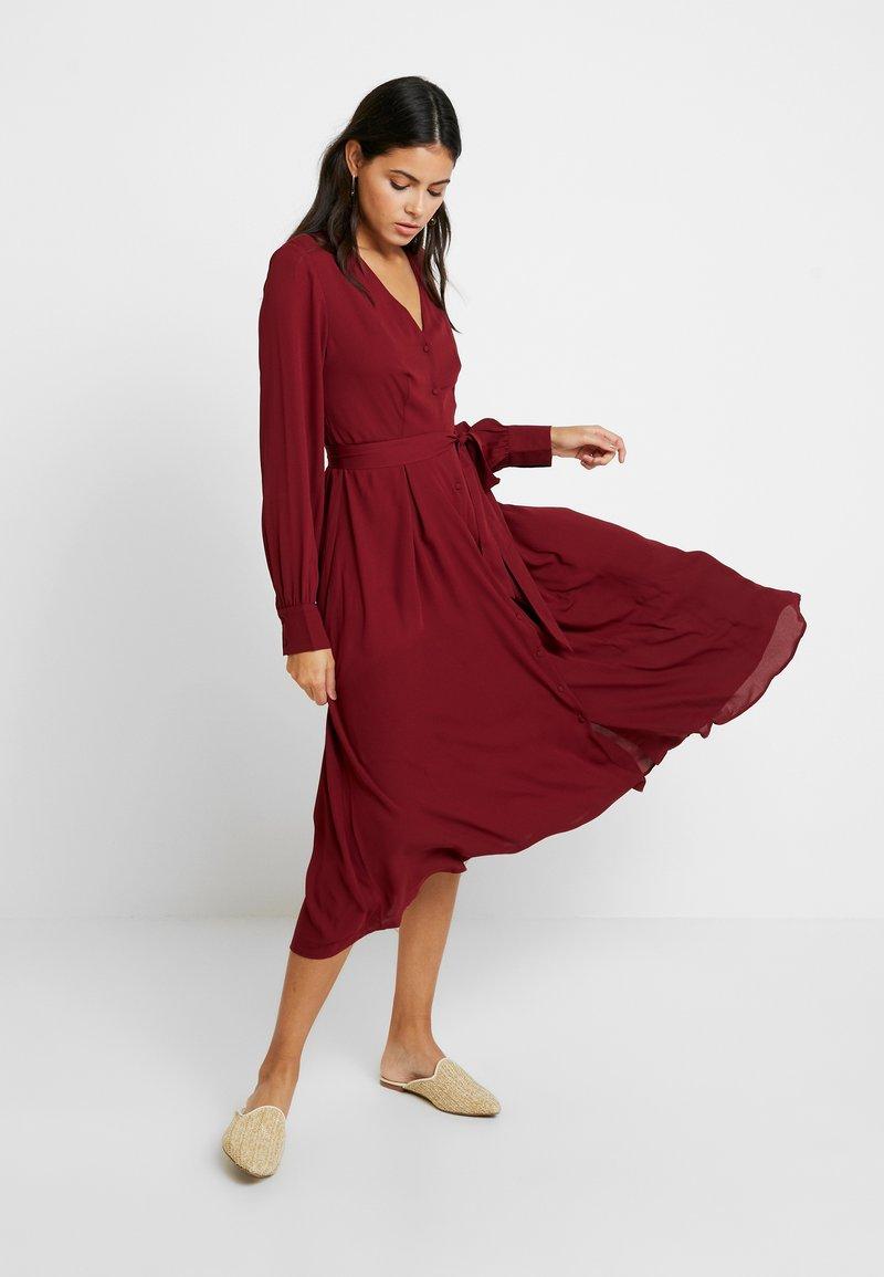 Selected Femme - SLFZENA MIDI DRESS - Kjole - cabernet