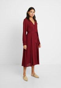 Selected Femme - SLFZENA MIDI DRESS - Kjole - cabernet - 2