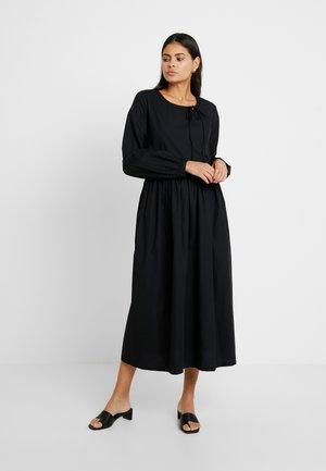 SLFNAGOYA DRESS - Maxikjole - black