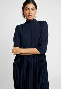Selected Femme - SLFBETHANY MIDI DRESS - Day dress - night sky - 4