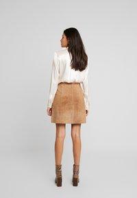 Selected Femme - SLFAUDREY ODETTE - Button-down blouse - sandshell - 3