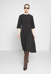 Selected Femme - SLFJADE ORIANA MIDI DRESS - Kjole - black - 1