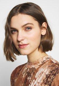 Selected Femme - SLFFOREST SPILLE DRESS - Robe d'été - thrush - 3
