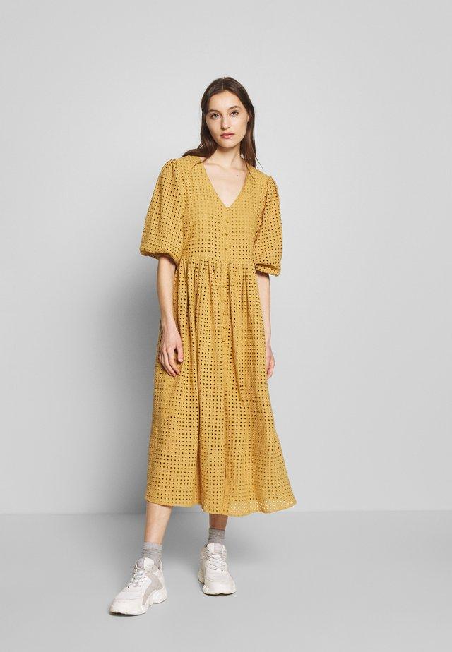 SLFMINELLA - Denní šaty - beige