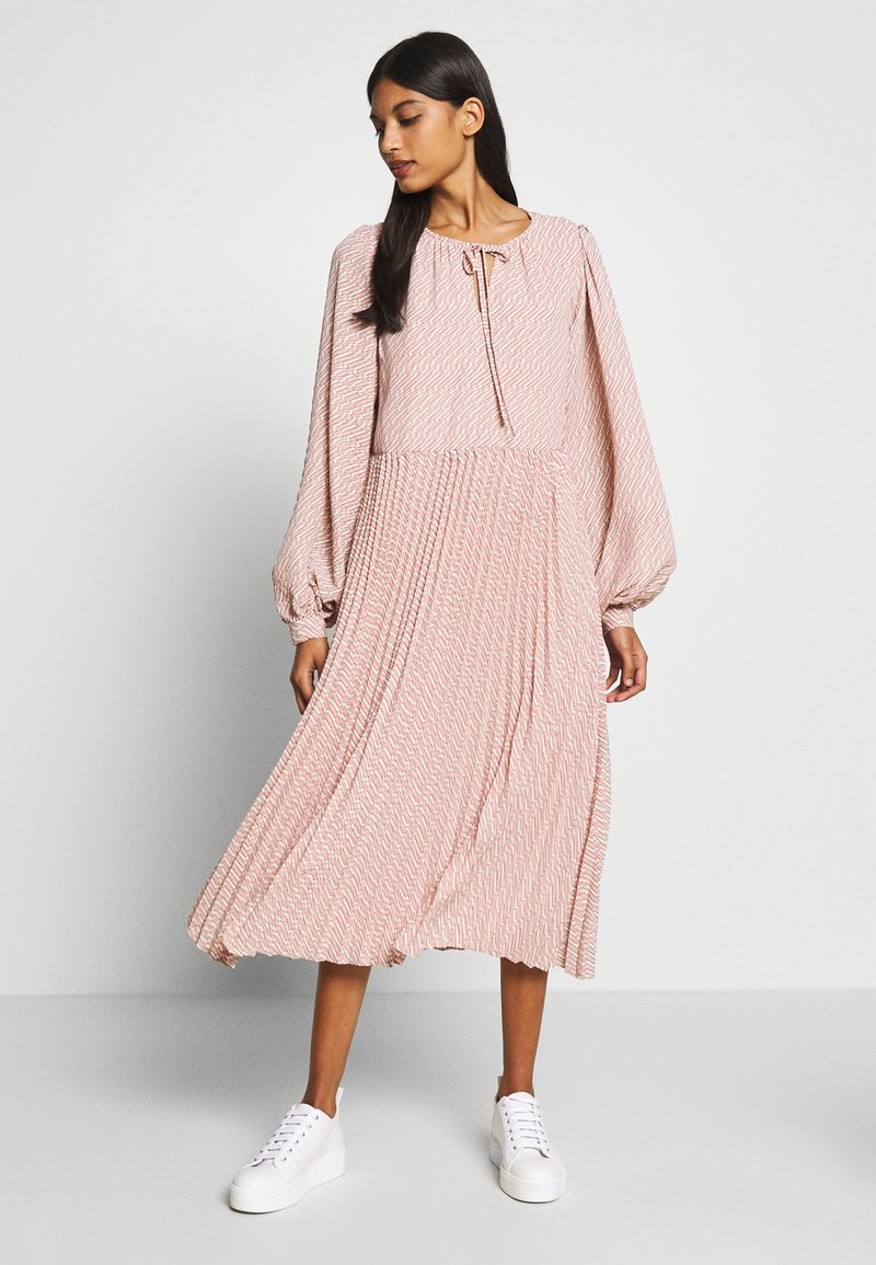 Selected Femme - SLFANDREA MIDI DRESS - Day dress - pale mauve
