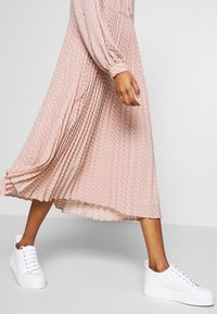 Selected Femme - SLFANDREA MIDI DRESS - Day dress - pale mauve - 6